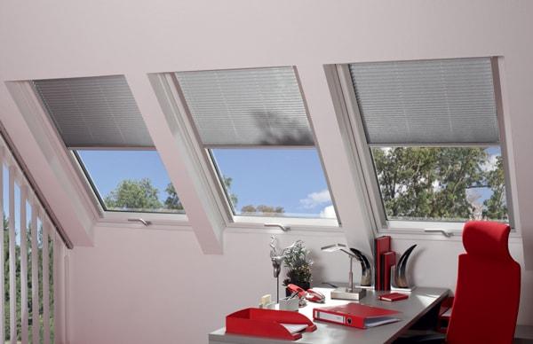 Innenjalousie-Dachfenster